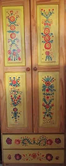 Armoire peinte